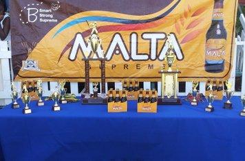 MALTA SUPREME BANNER & TROPHIES