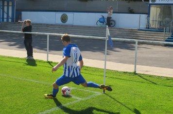 Matty Davies taking a corner.