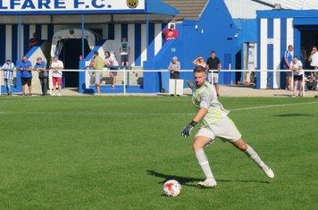 Michael Emery taking a free kick.