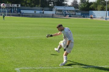 Michael Emery taking a goal kick.