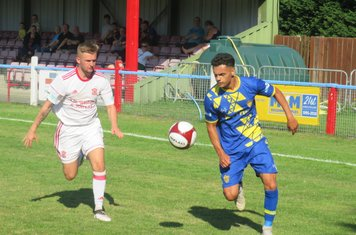 Jenk Acar in action for Spalding United.