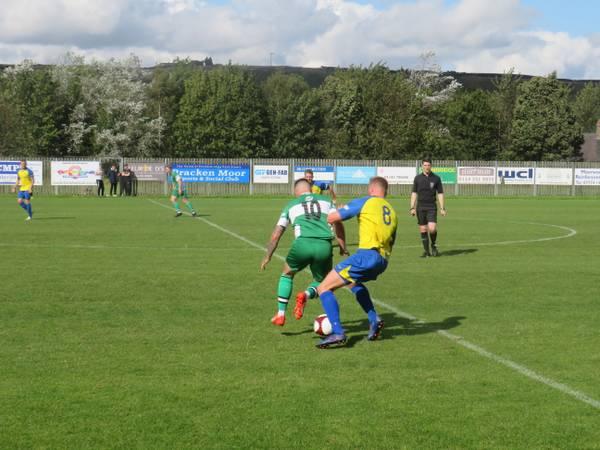 Noel Burdett and Ross Goodwin in action.