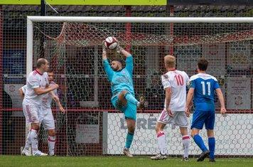 Michael Emery catching the ball.