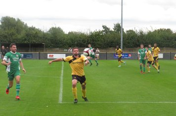 Danny Gordon in action for Loughborough Dynamo.
