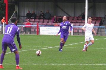 Rhys Thompson passing to Lee Williamson.