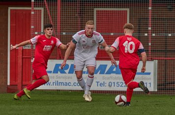 Connor Russo running at the defence.