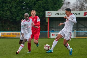Reon Potts taking a touch.