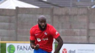 Jean Dakouri signs