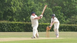 4s Downed in top of the table clash