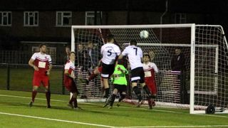 Lions blow away the Robins