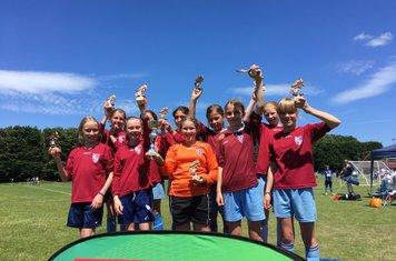 Kew Girls U12 win Goldsworth Cup