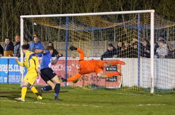 Coxy nets the 89th minute winner!