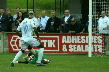 2-0: Nigel Neita