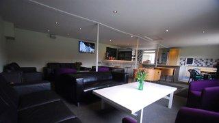 Thongsbridge CC Clubhouse Bar