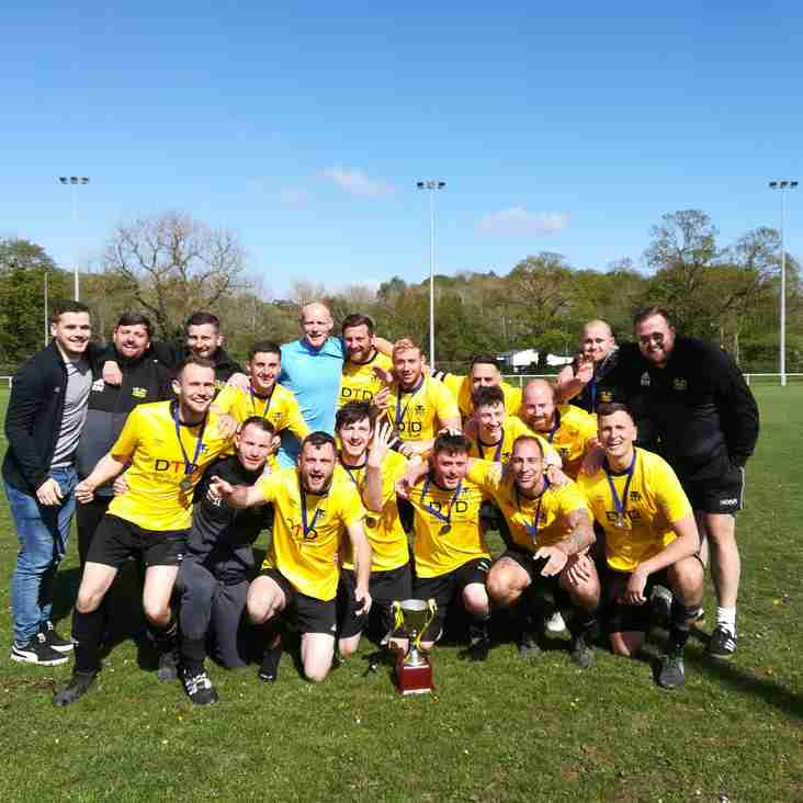 Flint Mountain win the Mike Beech Memorial Trophy 2018/19