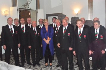 London Welsh Rugby Club Choir with Clare Balding - Outward Bound