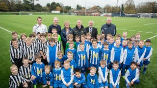Sir Geoff Hurst at U7/U8 training session