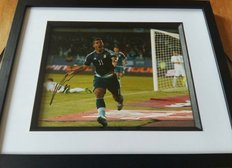 Signed picture of Sergio Aguero in his Argentinian strip