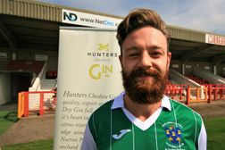 Connolly agrees to stay at the Vics