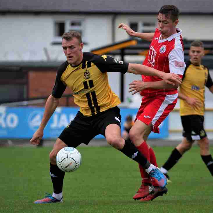 County Borrow Baines To Boost Title Charge