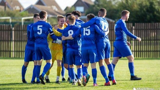 FA VASE : Emley AFC 1 IRLAM FC 1 (IRLAM WIN 5-3 ON PENS)