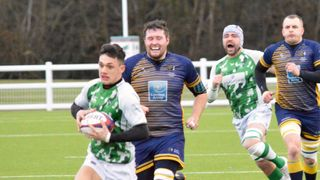 Horsham maintain the pressure on the leaders ahead of titanic clash