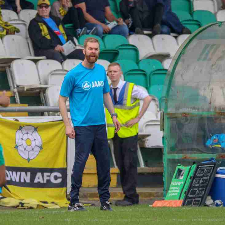 Weaver Urges Town To Hold Nerve After Title Disappointment