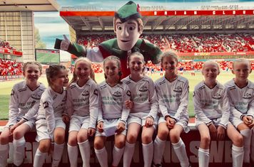 Under 10 Girls with Robin Hood mascot  11th Aug 2018