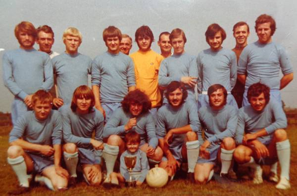 1971 Clifton Park Avenue Back P Spencer G Daly (snr) R Bowles T Bugg L Spencer G Birchenall H Bugg C Toombs I Warsop H Birchenall J Perkins Front J Taylor D Bell G Daly J Rolfe C Adams A Robinson