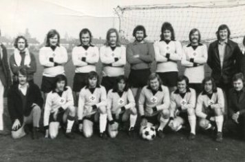 1976-77 Peacock Res Back A Boot (Chairman) B Arnold L Hardy(capt) J Walsh P Whiley T Broadhead K Quilty K Jarvis P Smith D Shelton Front M Towne(sec) Unknown G Keeling P Harvey P Welik C Betts J Arnold P Quilty