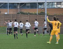 New Year cheer for The Gingerbreads