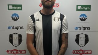 Tom Ward is Staying At The Gingerbreads