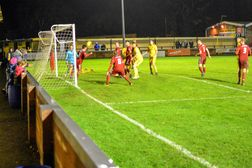 Tiverton Town 2-5 Bideford