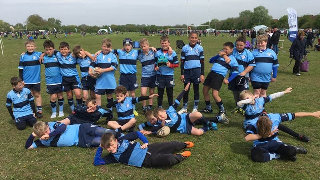 St Neots Give Bedford the Blues