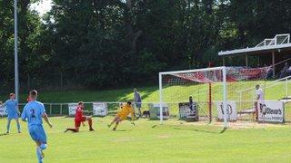 Milton United 1st Team v Binfield - 12th September 2015