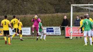 North Leigh 4 - 2 Aylesbury United