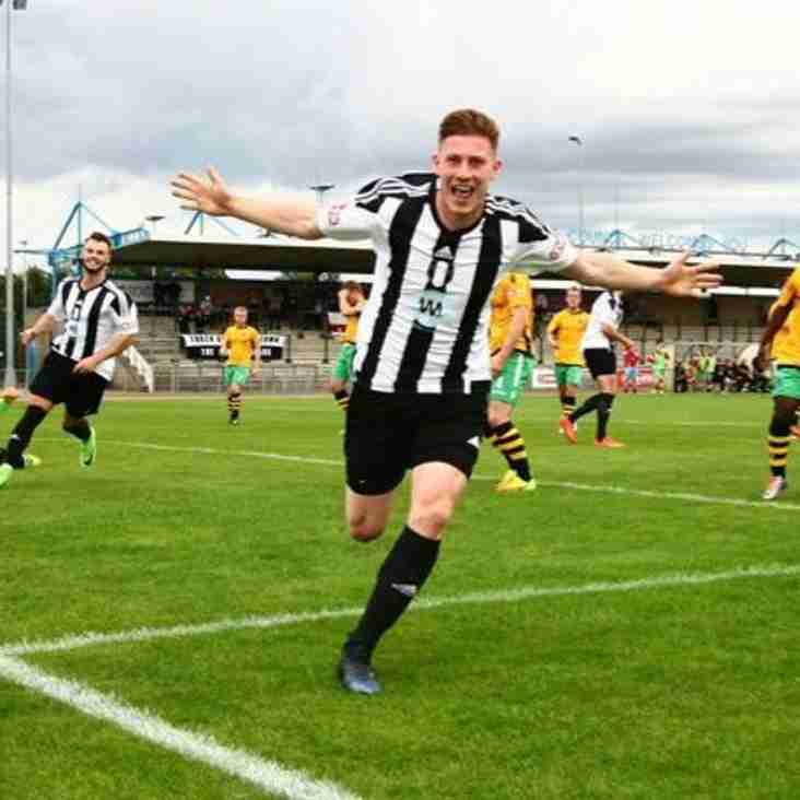 Matlock sign Wright for undisclosed fee