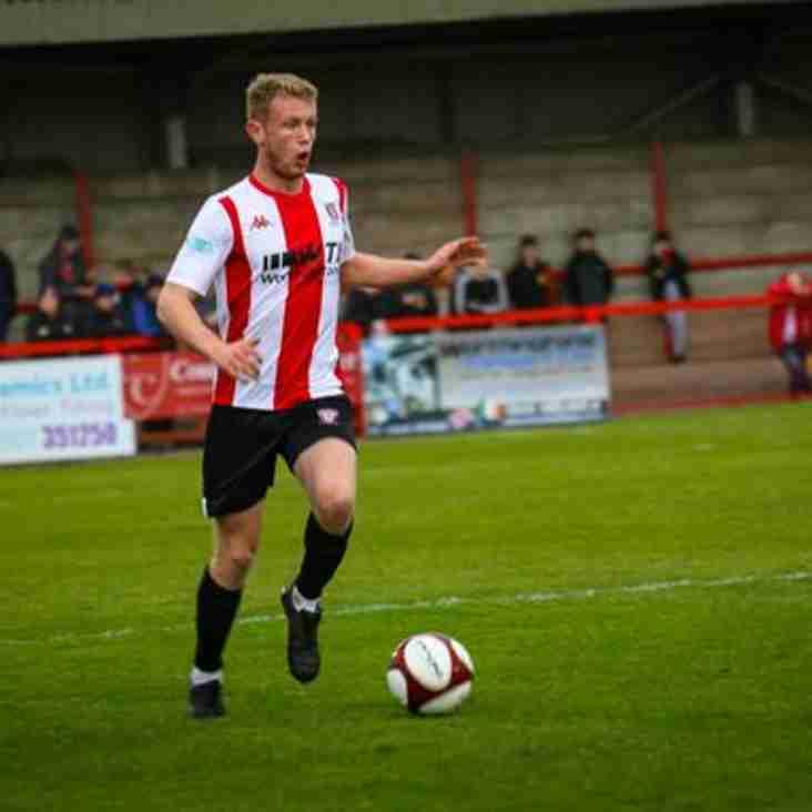 Isaac Baldwin signs new deal at Wincham Park