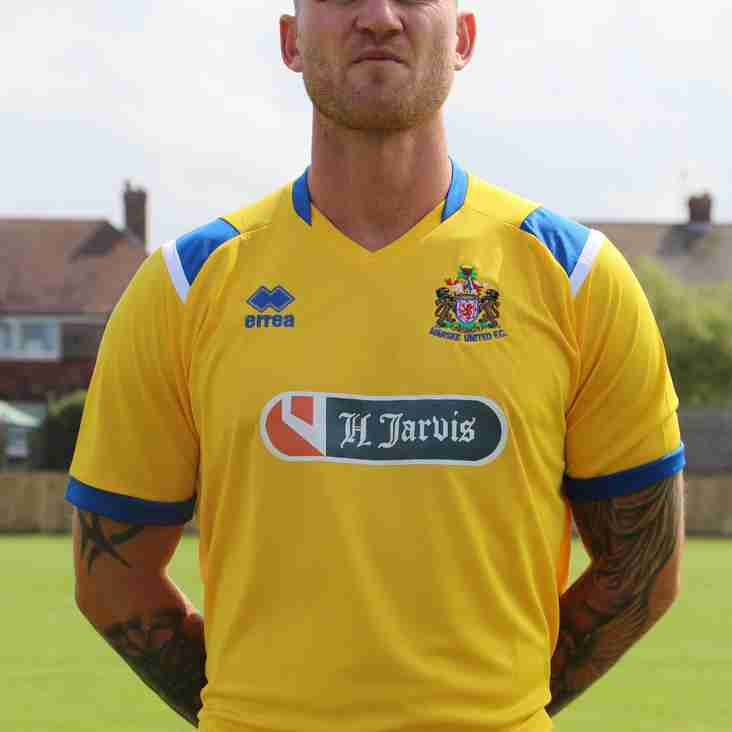 Burgess and Blackford re-sign with Marske United