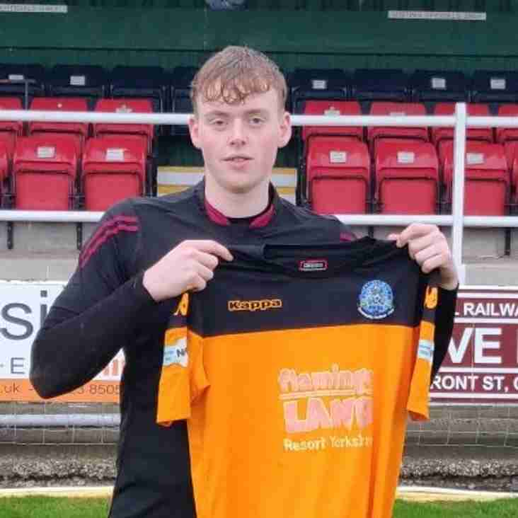 Pikes sign new 'keeper