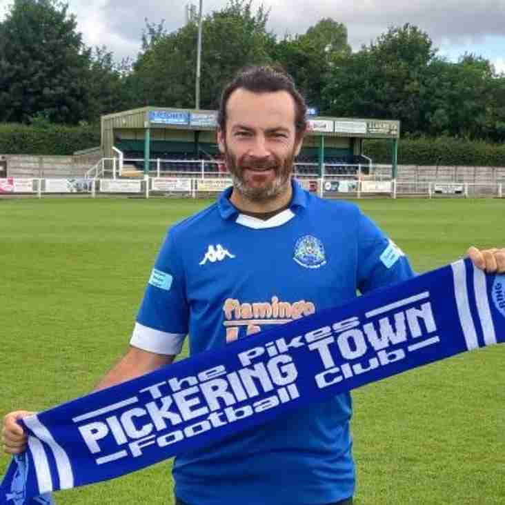 Pikes sign experienced Merris