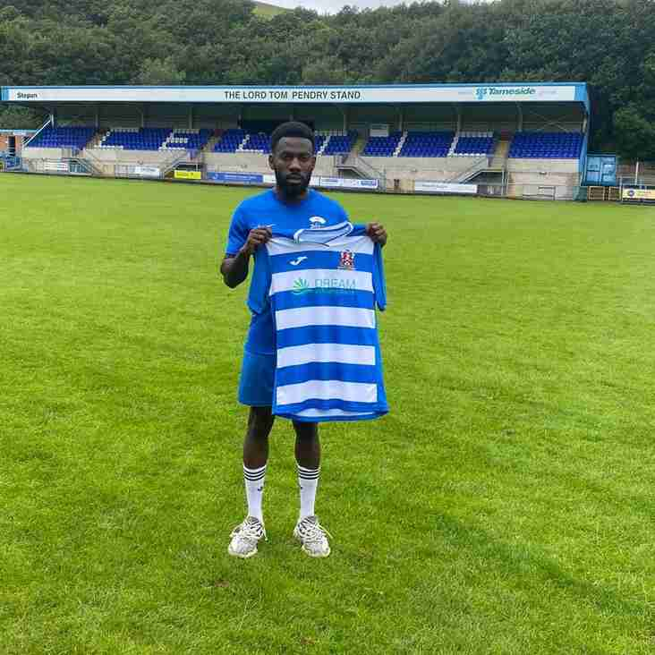 Woods earns Stalybridge deal