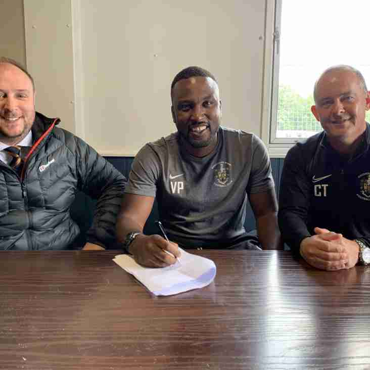 Vill Powell extends Brighouse contract