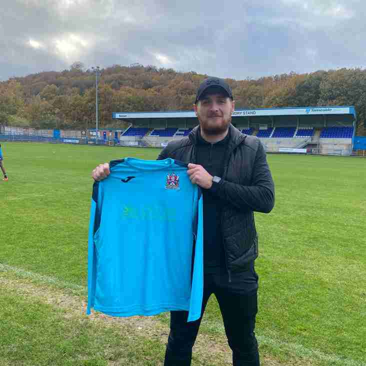Grant Shenton joins Stalybridge Celtic on season-long loan from Buxton