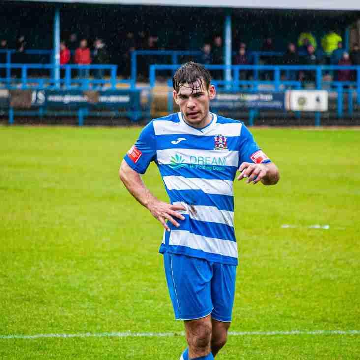 Lewis Salmon recalled by Altrincham from Stalybridge