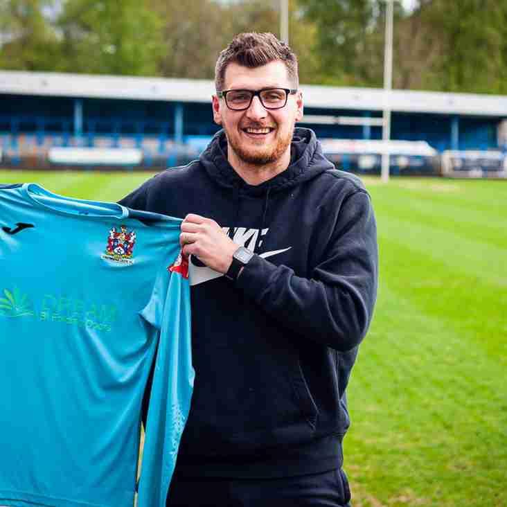 Stalybridge Celtic sign duo Shenton and Burton