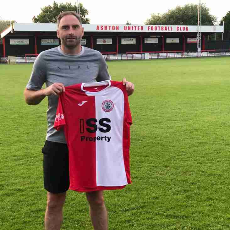 Former Premier League defender Nicky Hunt joins Ashton United