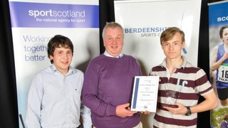 U16s win award and pictures to boot