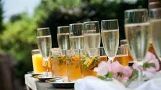 Ladies Day with UNLIMITED Prosecco & Pimms