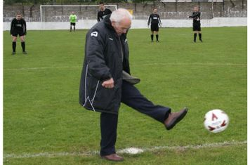Billy Allan Kicks Off